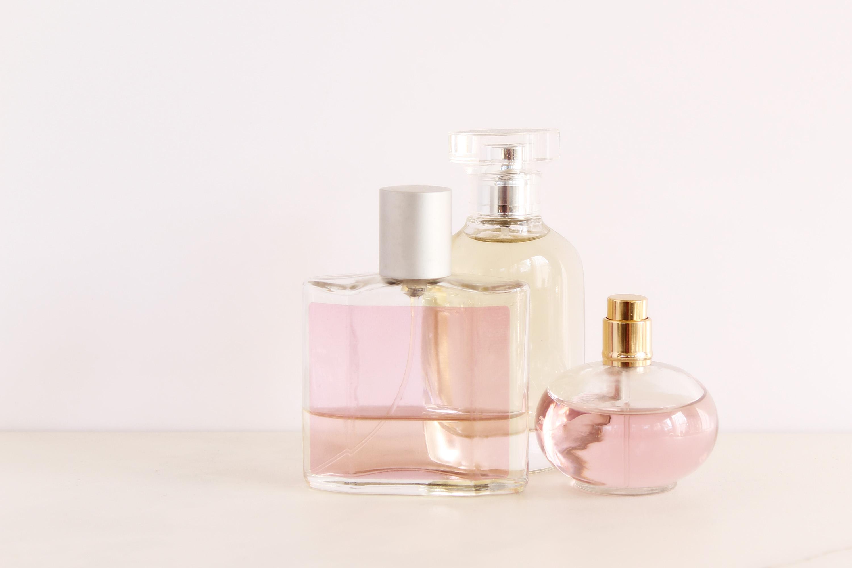 Маленькие флаконы парфюма