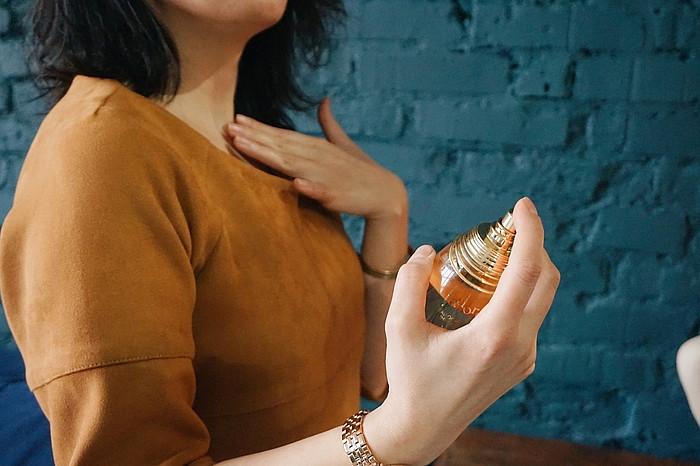 Растирание парфюма